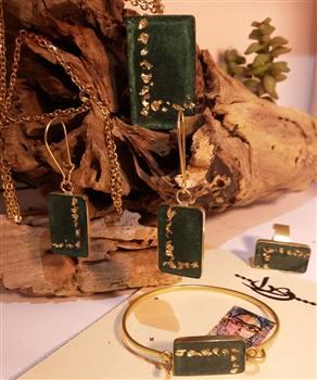 ست زیور آلات دست ساز ریرا - سبز دارای ورقه های طلا و برنج ضد زنگ و حساسیت